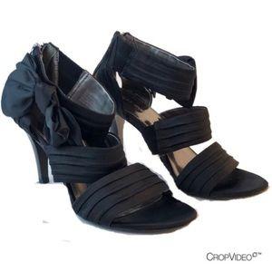 Bandolino black heel w/ satin bow & back zipper